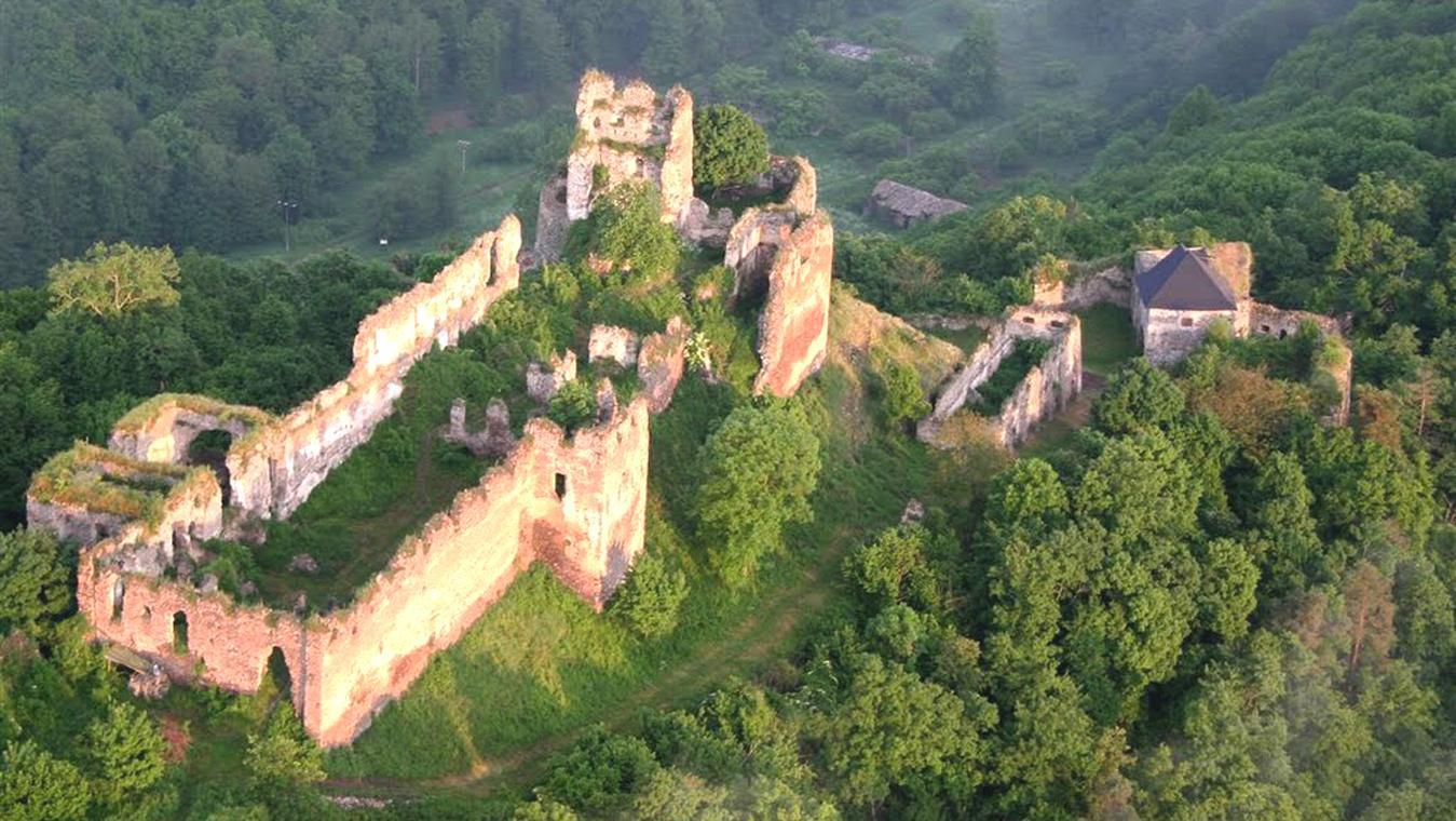 Výsledok vyhľadávania obrázkov pre dopyt hrad cabrad