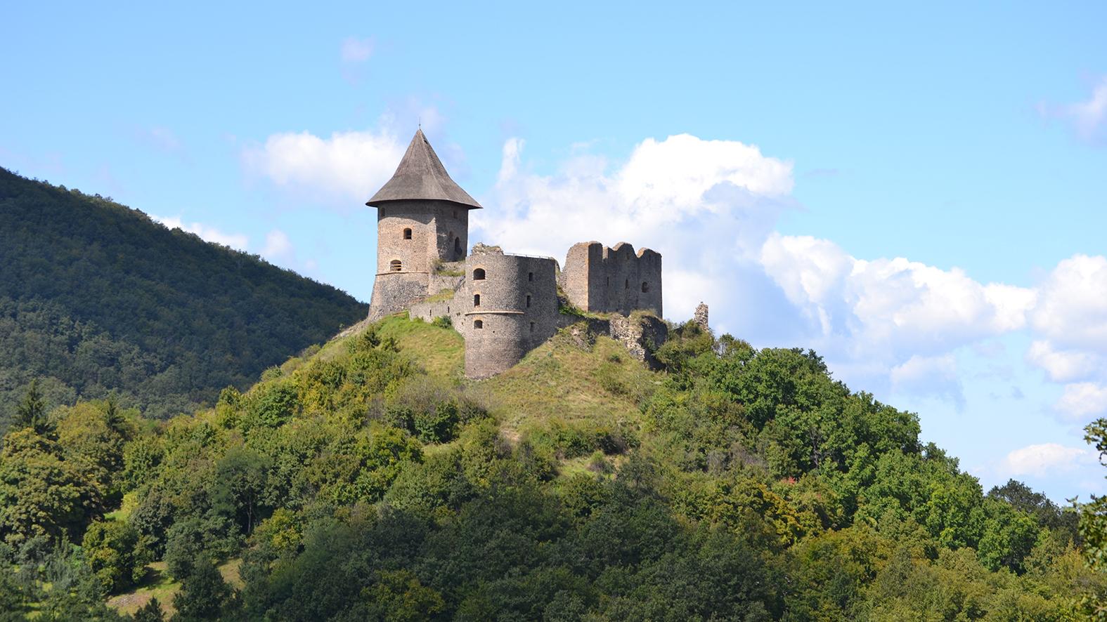 b369120ba Tajomné chodby pod hradmi Fiľakovo a Šomoška ožívajú